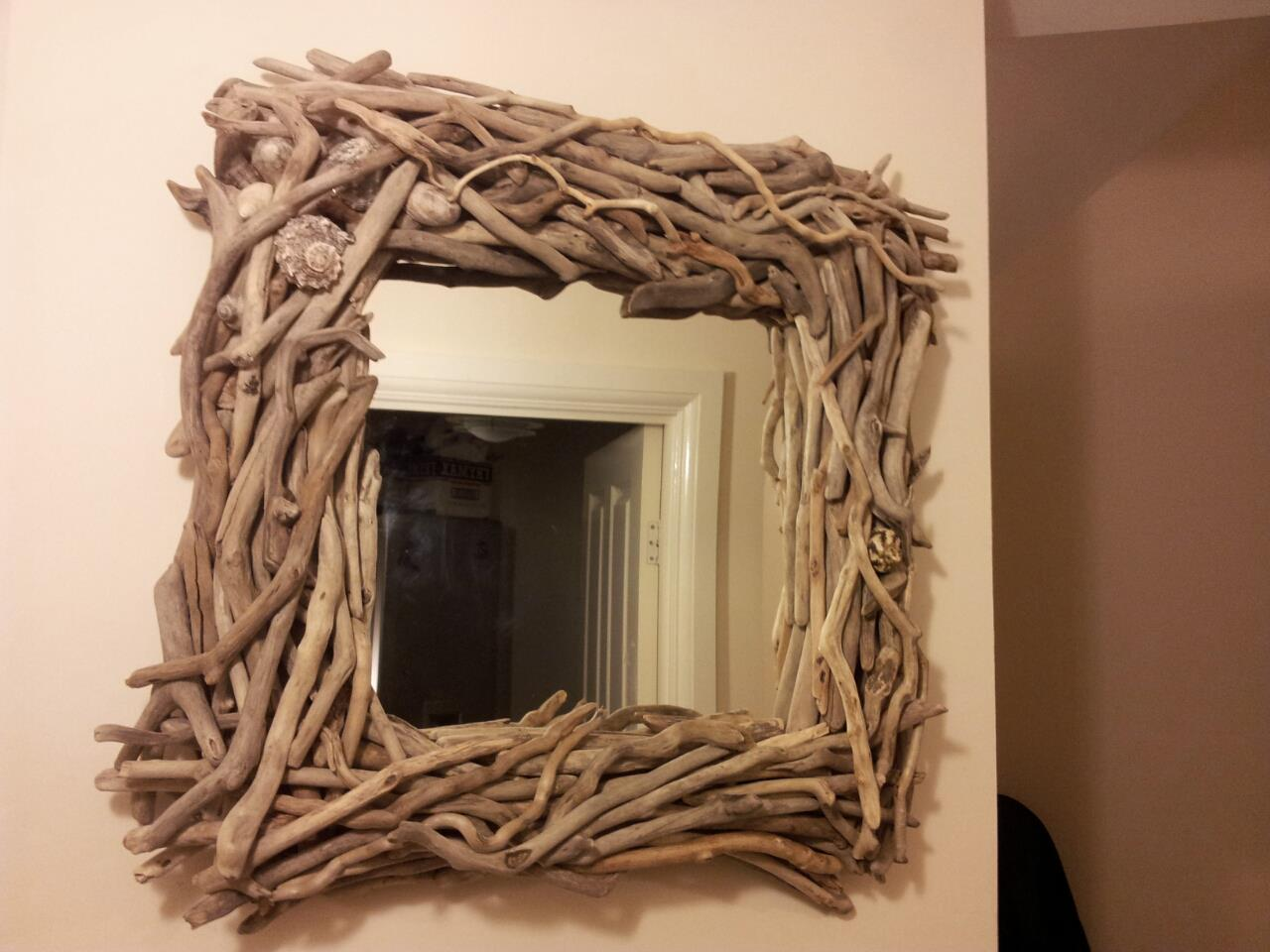 Square Driftwood Bathroom Mirror with Shells